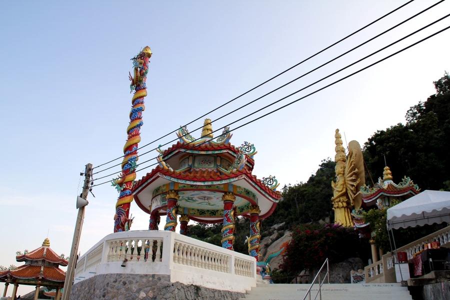 Храм на горе обезьян в Хуа Хине