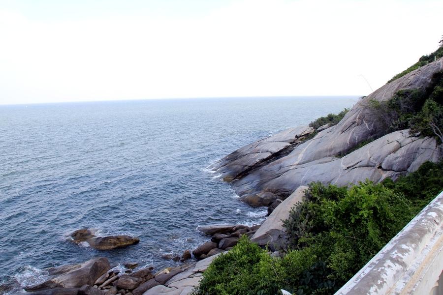Вид на море с горы обезьян