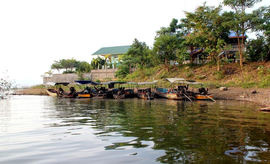 лодки на озере Каенг Крачан