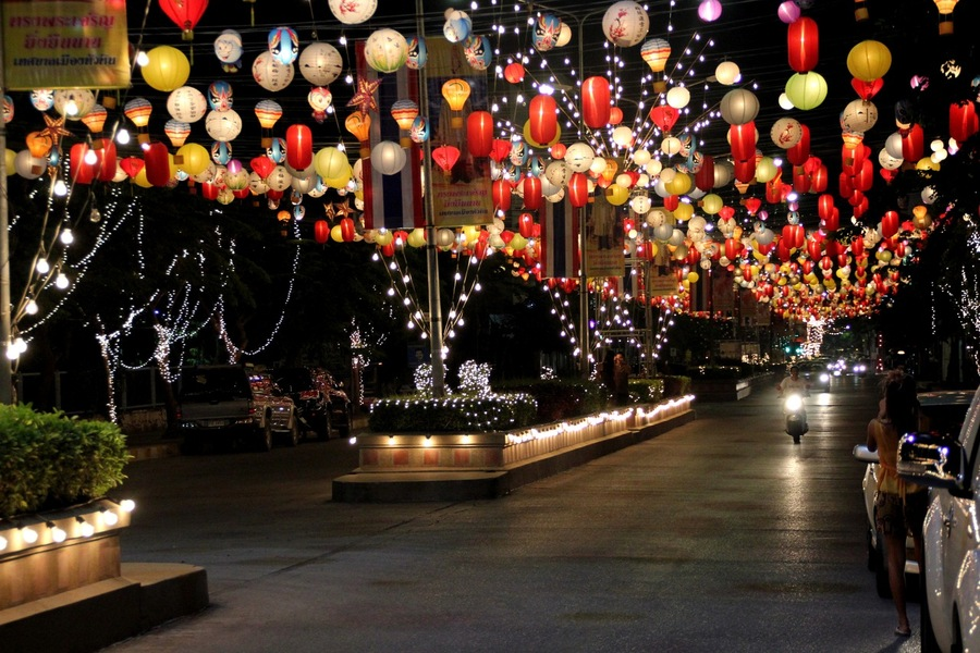 новогодние фонарики Хуа Хин