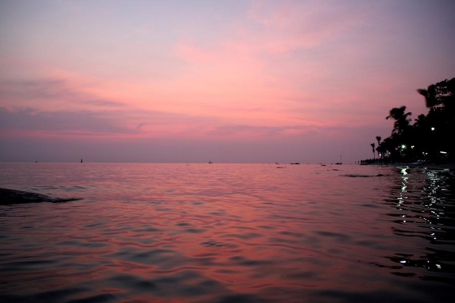 Рассвет на пляже. Хуа Хин. Таиланд