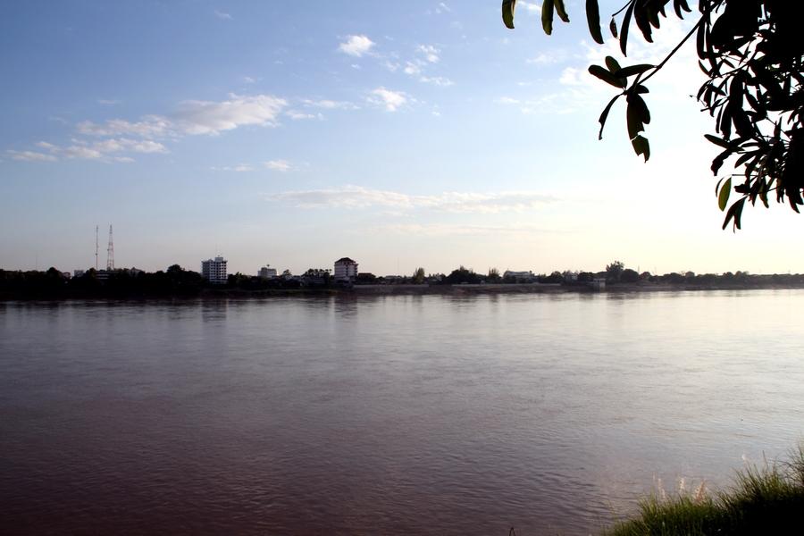 Река Меког. Берег Таиланда