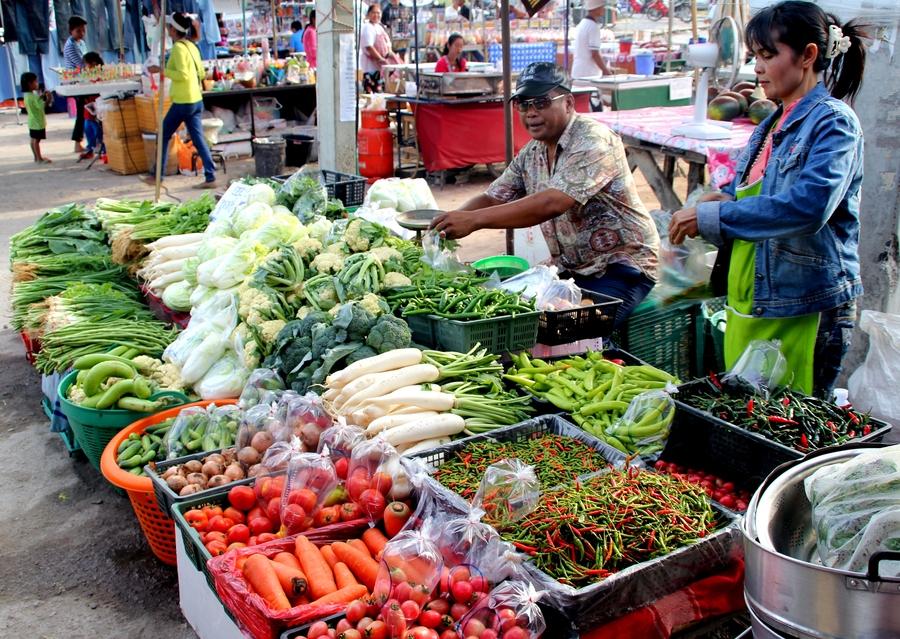 Овощи на рынке в Таиланде