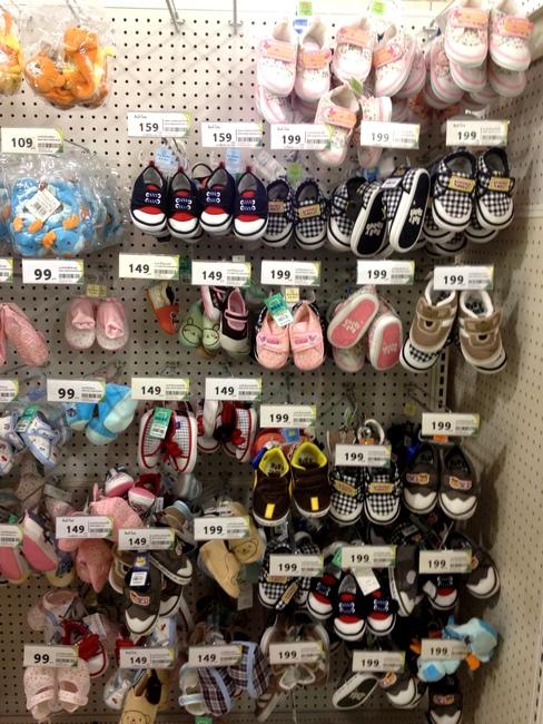 Детская обувь в Тайланде