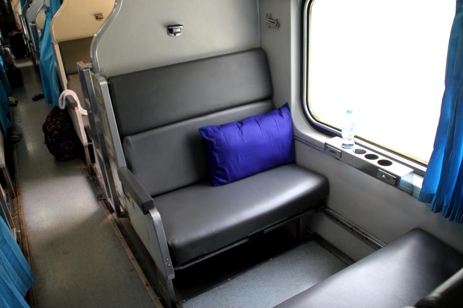поезд Бангкок-Баттервордс нижняя полка