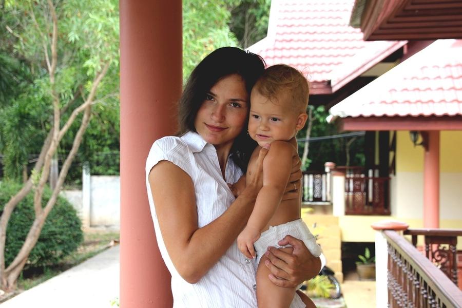 Мама с ребенком 1 год