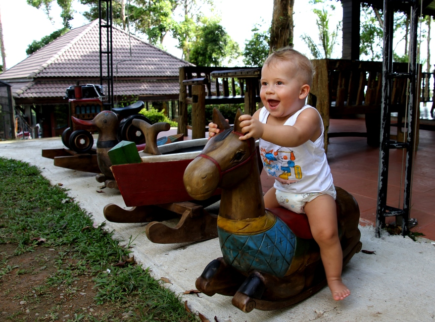 ДЕтская площадка в Парадиз Парке в ТАиланде