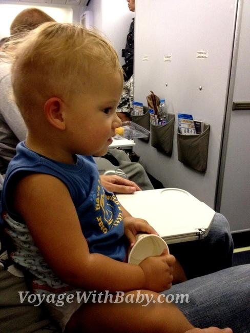 Ребенок 1 год в самолете