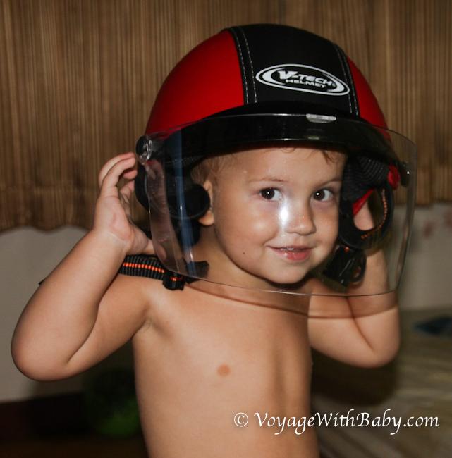 Саша в шлеме