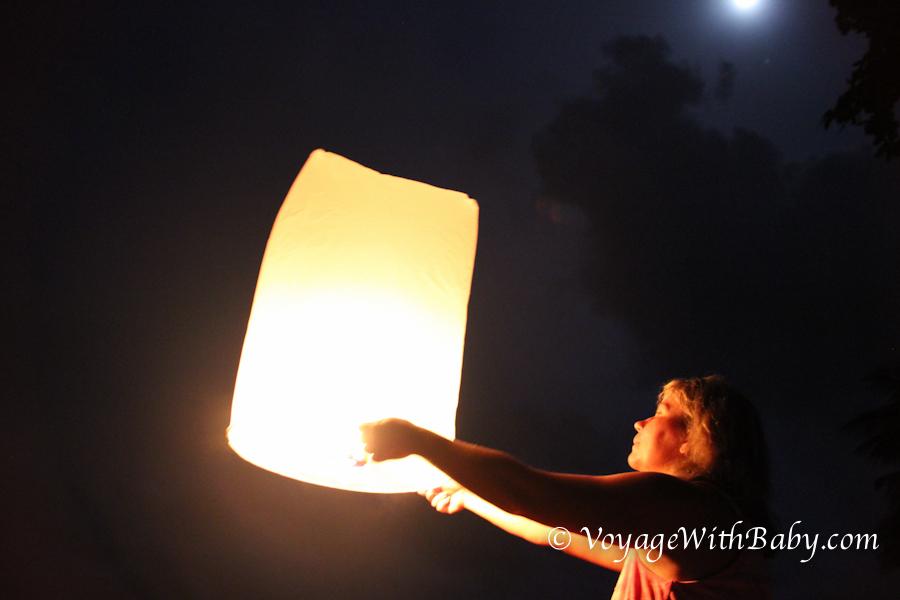 Лой Кратонг - запускаем бумажные фонарики