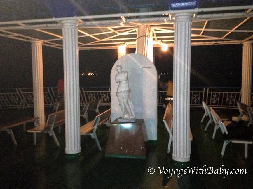 Статуя на пароме Дон Сак - Самуи