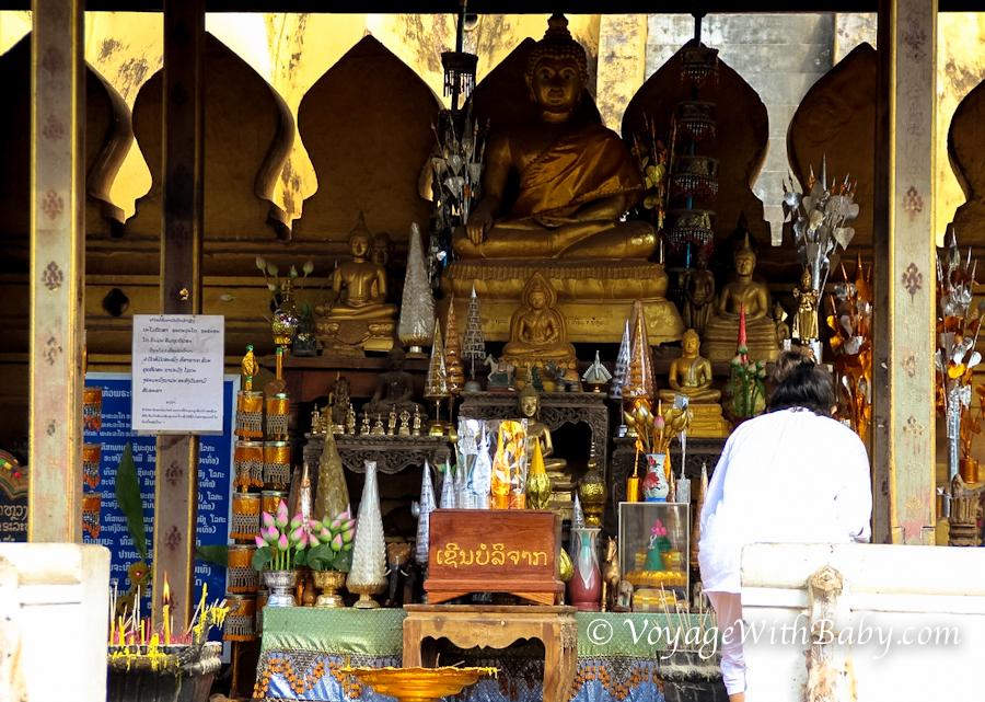 Храм Пха Тхат Луанг (Pha That Luang) и Великая Ступа во Вьентьяне (Лаос)