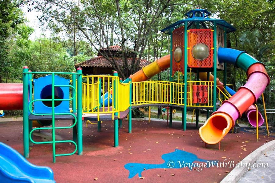Парк Птиц в Куала Лумпуре - игровая площадка