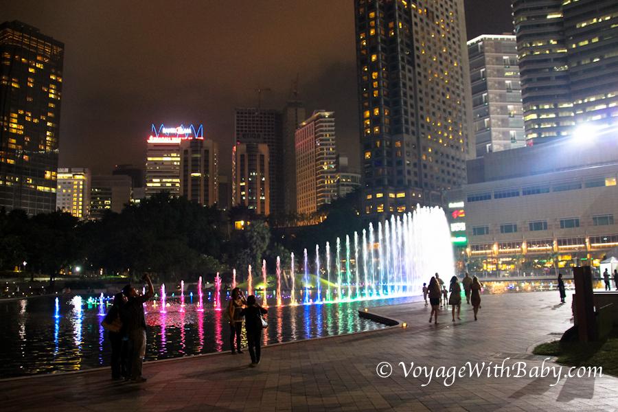 Поющие фонтаны в Куала Лумпуре