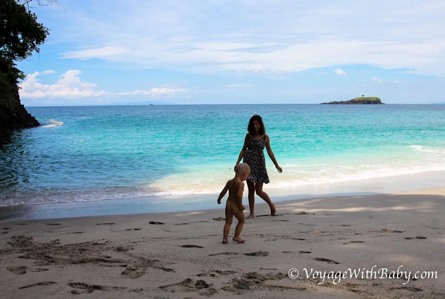 Пляж White Sand Beach на Бали с ребенком