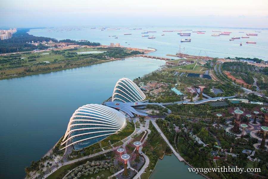 Залив Marina Bay и парк Gardens by the Bay