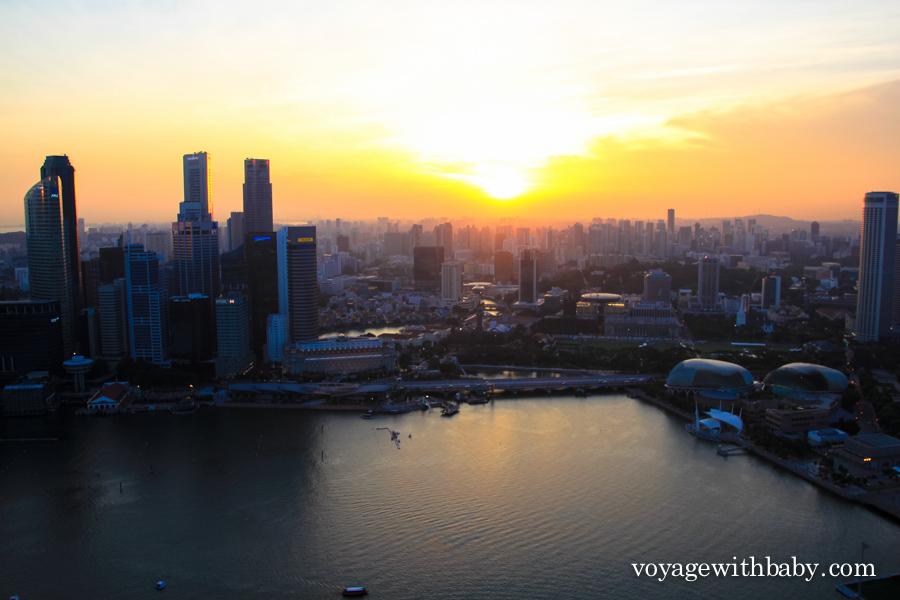 Sands SkyPark в Сингапуре на закате