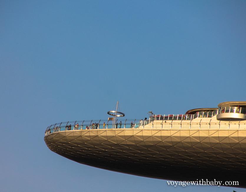 Где находится смотровая площадка SkyPark отеля Marina Sands Bay