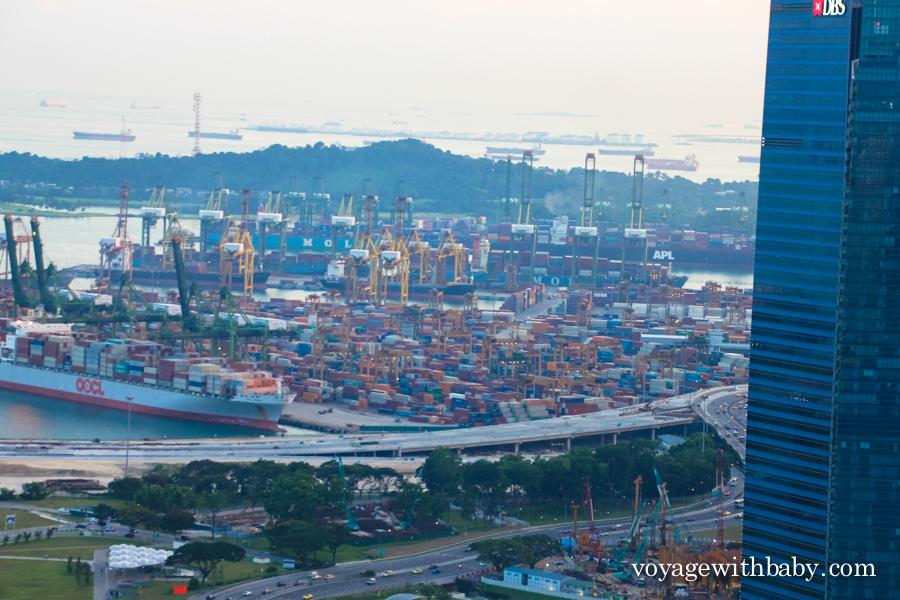 Порт Сингапура - самый большой порт в мире