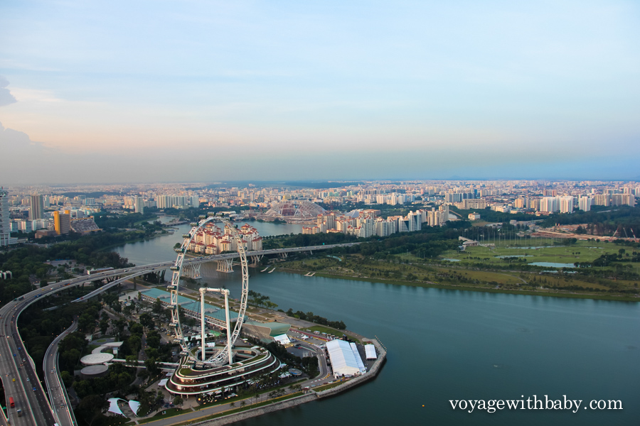 Смотровая площадка отеля Marina Bay Sands - SkyPark в Сингапуре на закате