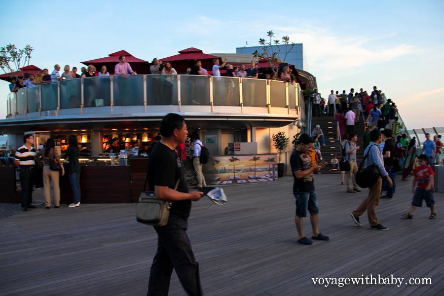 Бар на крыше отеля Marina Bay Sands