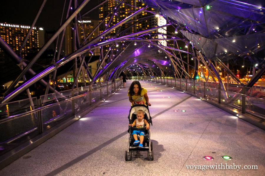 Мост молекула ДНК в Сингапуре