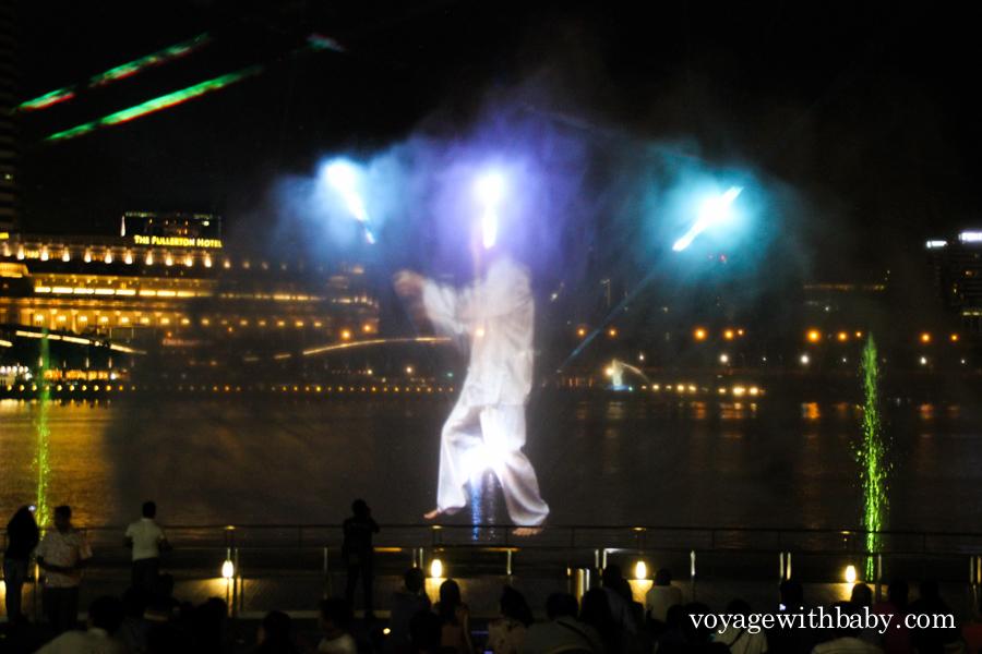 Лазерное шоу около отеля Marina Bay Sands