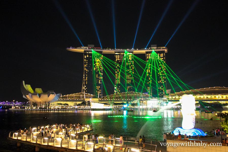 Лазерное шоу Marina Bay в Сингапуре