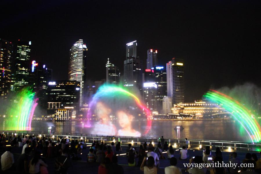 Бесплатное лазерное шоу в Сингапуре