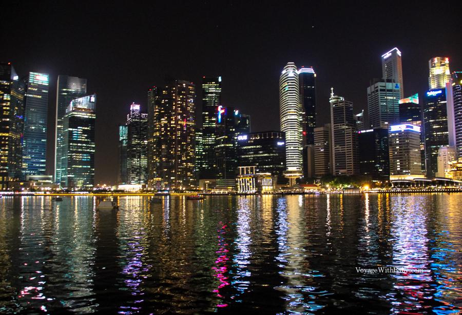 Небоскребы в Сингапуре ночью