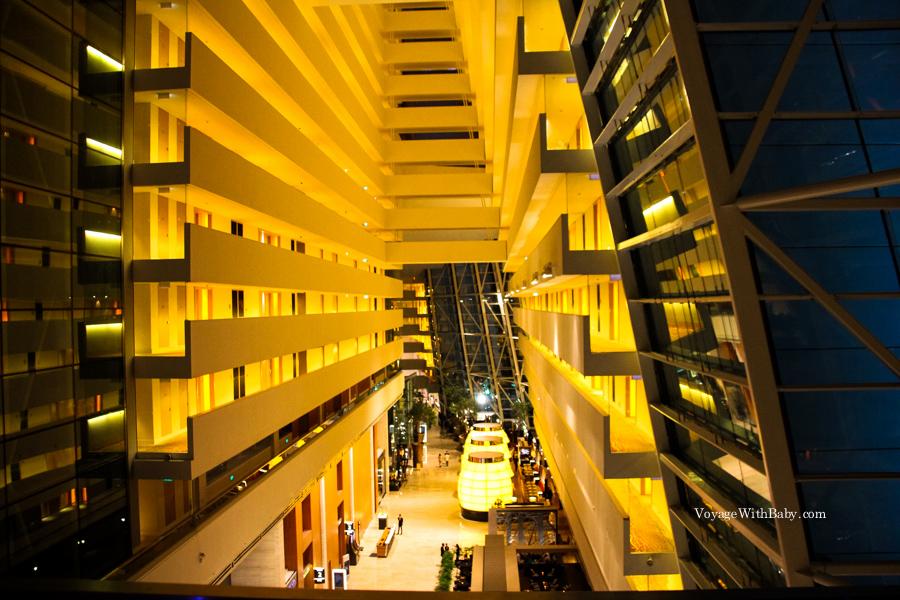 Внутри отеля Marina Bay Sands