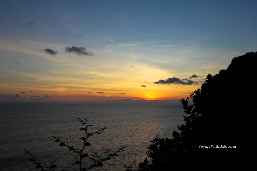 Храм Улувату на Бали на закате