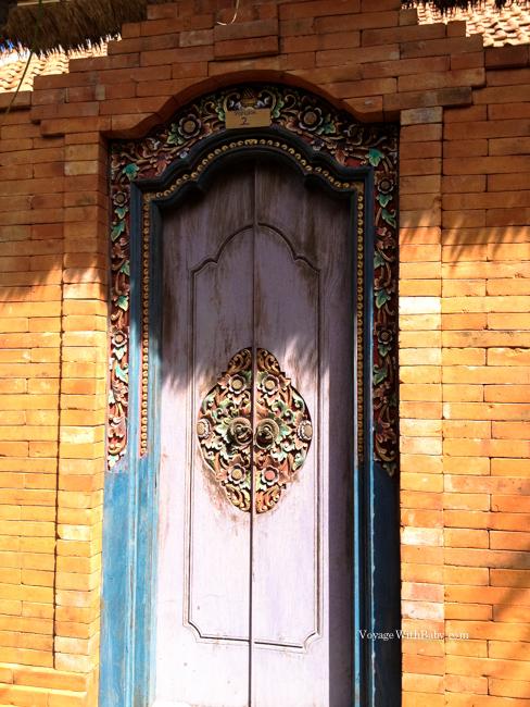Вход в наш домик на Бали