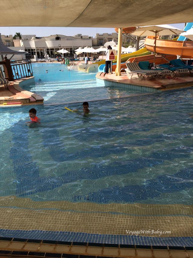 Детский и кусочек взрослого бассейна в Concorde El Salam Sport