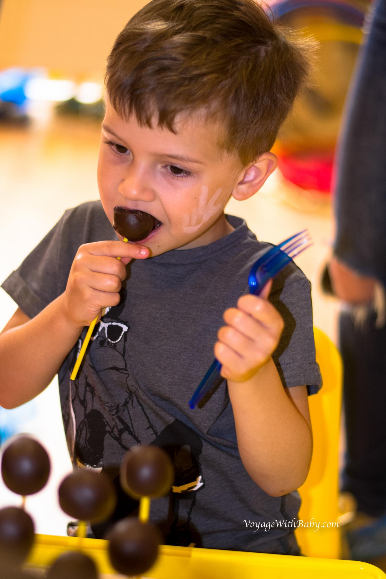 Шоколадные кейк-попсы