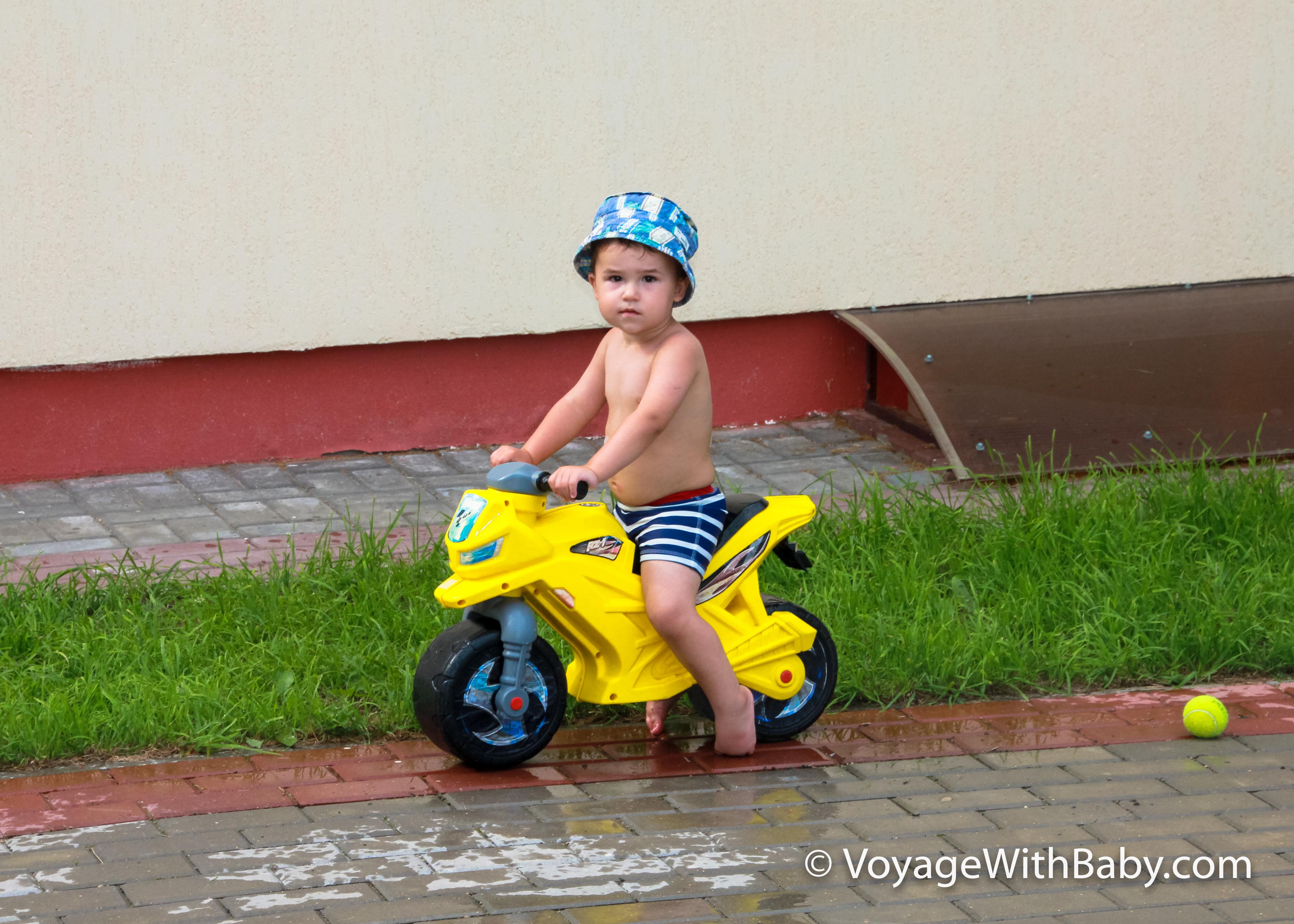 Транспорт ребенка в 1-2 года