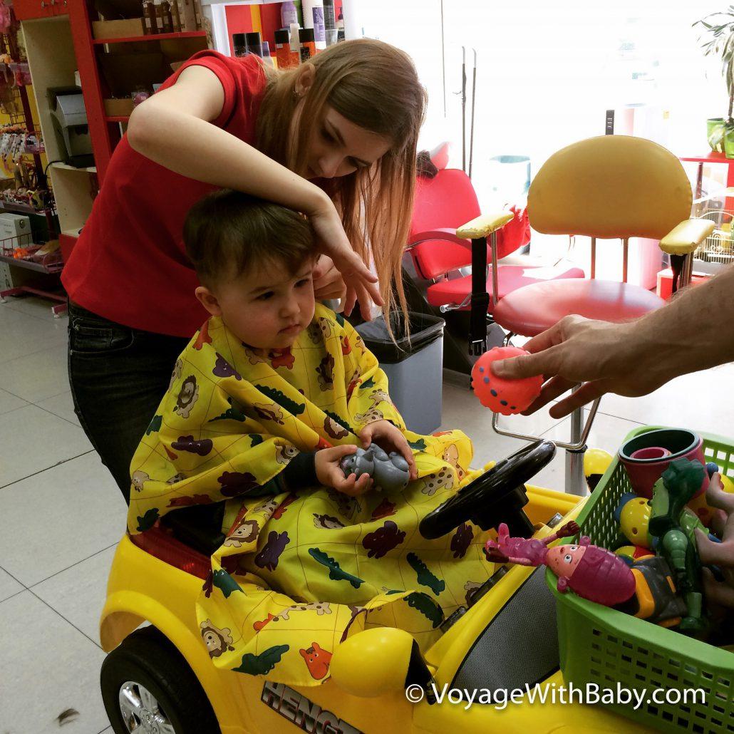 Как подстричь ребенка в год без истерик
