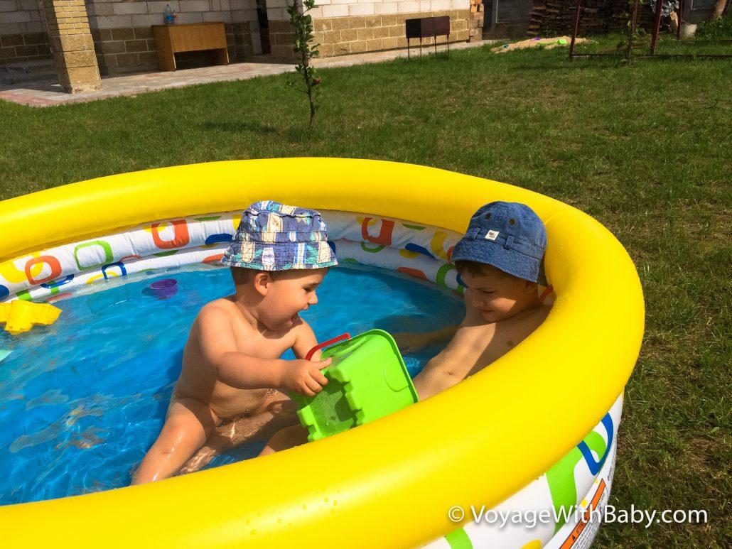Лучшее развлечение в жару - это бассейн
